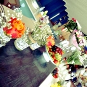 Цветы в оформлении банкетного зала в Орле