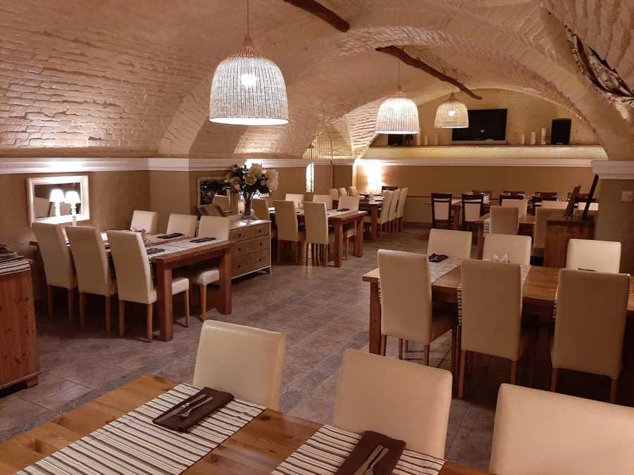 Банкетный зал в центра Орла 6