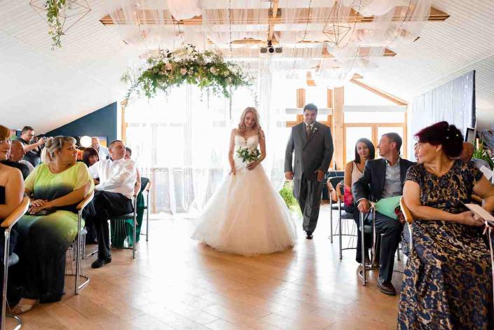 Церемония бракосочетания в банкетном зале лофт в Орле