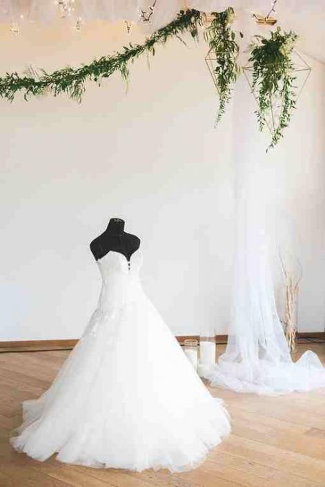 Фотосессия невесты в лофте